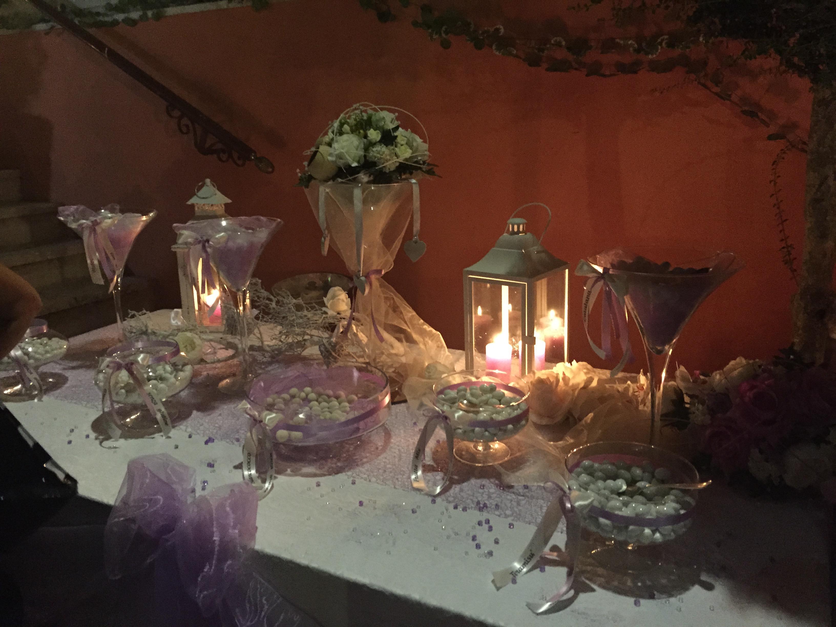 Confettata lilla e lanterne a Villa Majestic